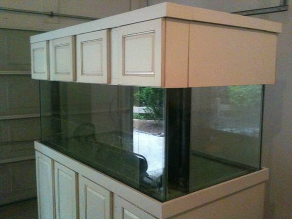 300 gallon aquarium - $2500 (Cumming,GA )