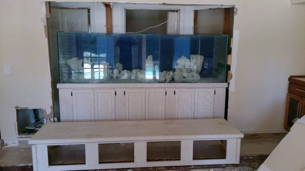 300 gallon fish tank - $3500 (Orlando fl)